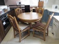 Стол и слулья из массива Ельской мебельной фабрики (Беларусь)