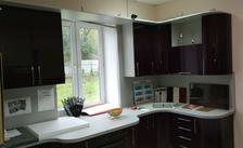 Кухня с фасадом из АКРИЛА (высокоглянцевый пластик)